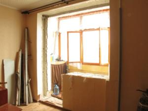 Можно ли в квартире убрать окно и дверь на балкон