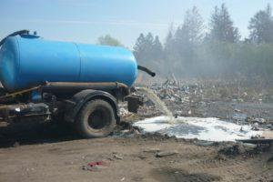 Куда ассенизаторы сливают отходы