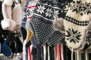 Возможно ли возвратить вязанную шапку в магазине