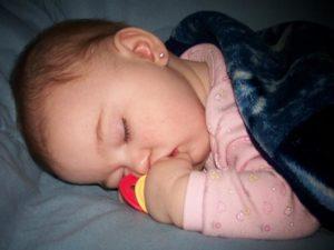Видеть во сне удочерить девочку маленькую